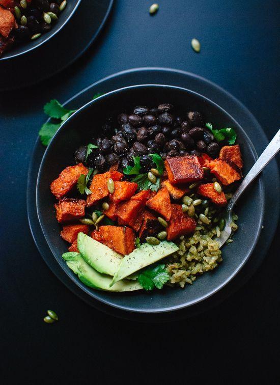 Sweet Potato and Green Rice Burrito Bowls Roasted sweet potatoes with healthy green rice and black beans. Delicious! Roasted sweet potatoes with healthy green rice and black beans. Delicious!
