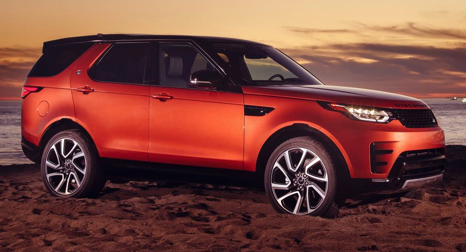 2017 LR Discovery Puts On Dynamic Design Pack In Time For