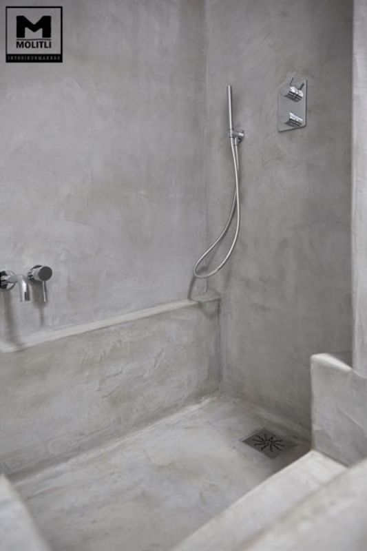 Betonstuc badkamer met verzonken bad - OBLY | Mona | Pinterest ...