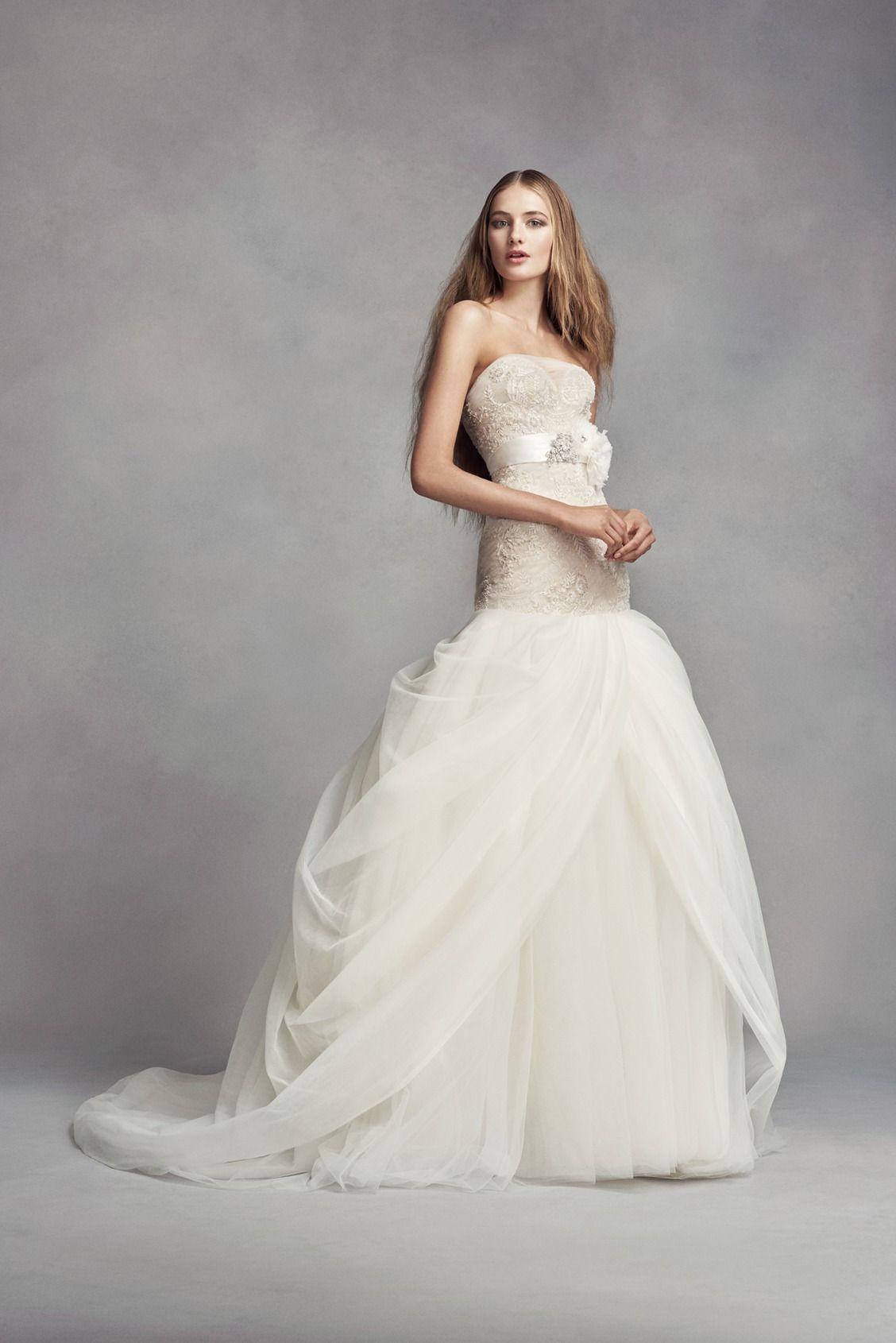 White By Vera Wang Lace Trumpet Wedding Dress David S Bridal Trumpet Wedding Dress Lace Davids Bridal Wedding Dresses Wedding Dress Styles [ 1690 x 1128 Pixel ]