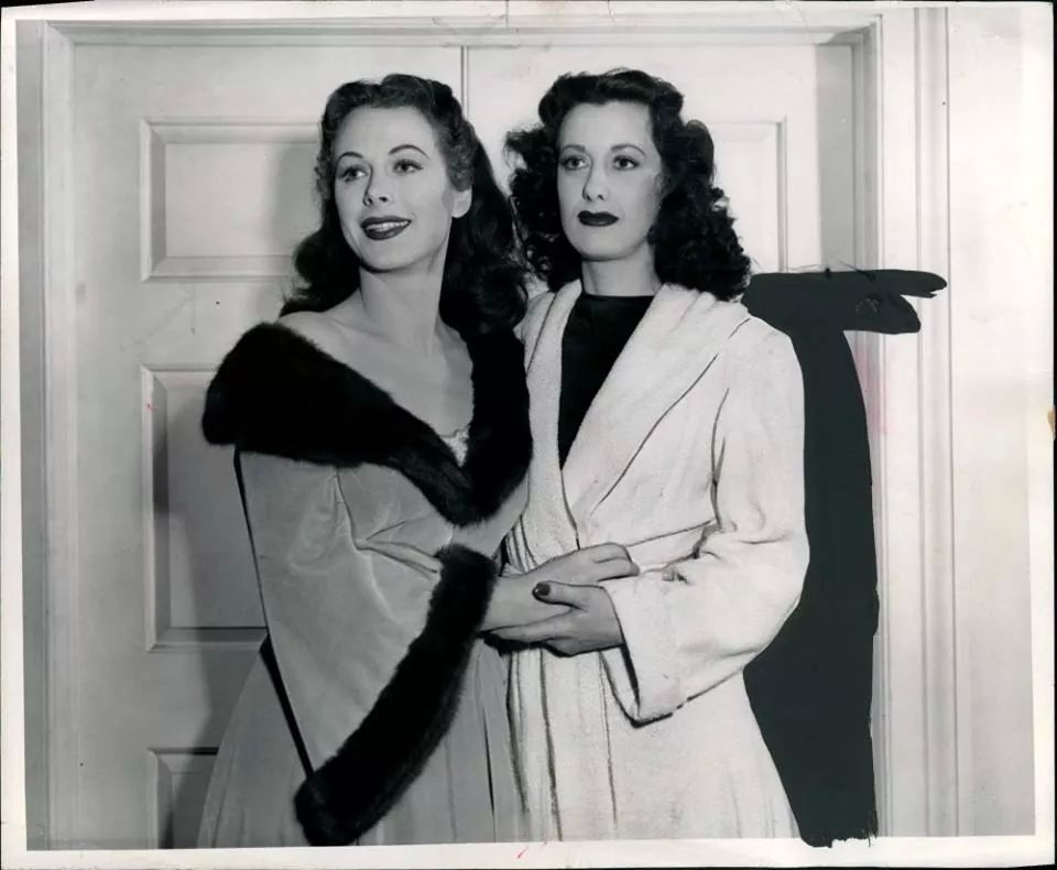 Hedy Lamarr With Her Stand In Sylvia Lamarr They Were Not Sisters Hedy Lamarr Hollywood Hollywood Stars