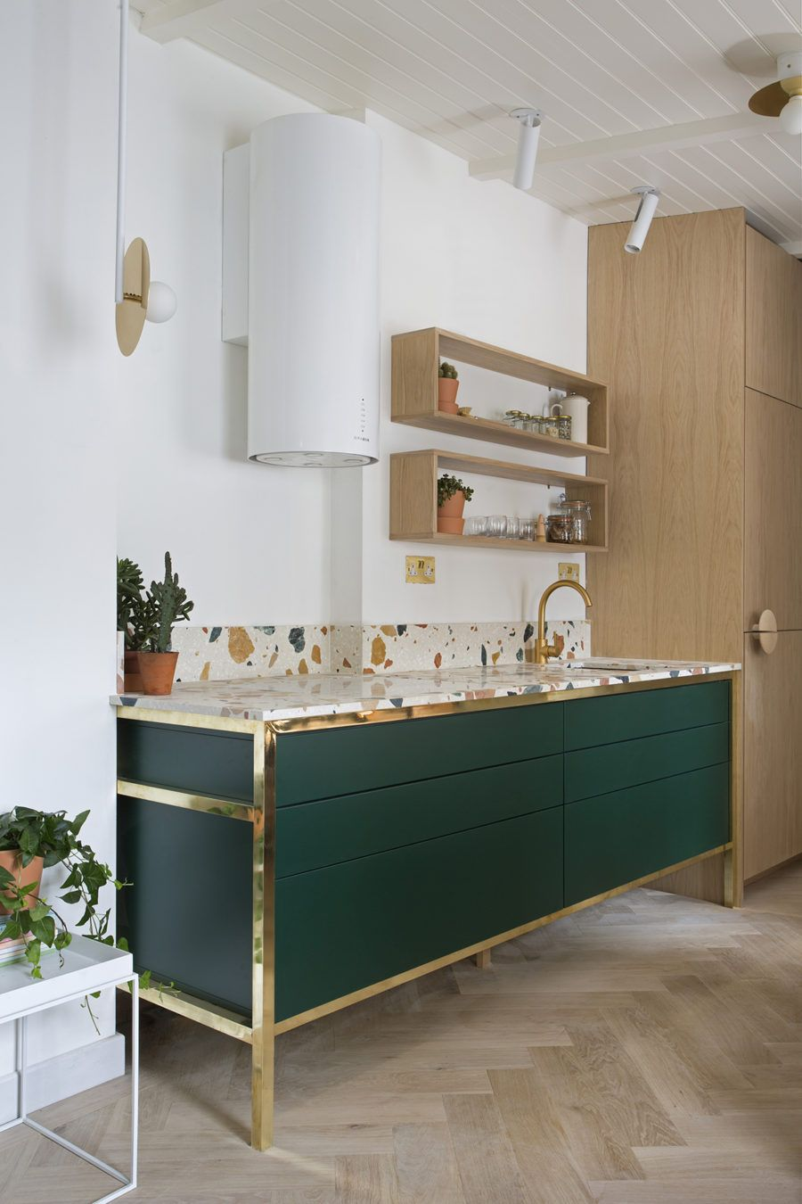 the worktop and the backsplash are realised using a marmoreal white rh pinterest com