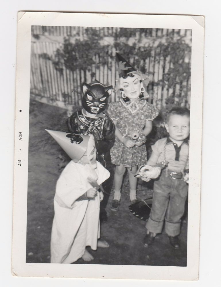 1950s HALLOWEEN PHOTO Trick Or Treat Masks Costumes Creepy