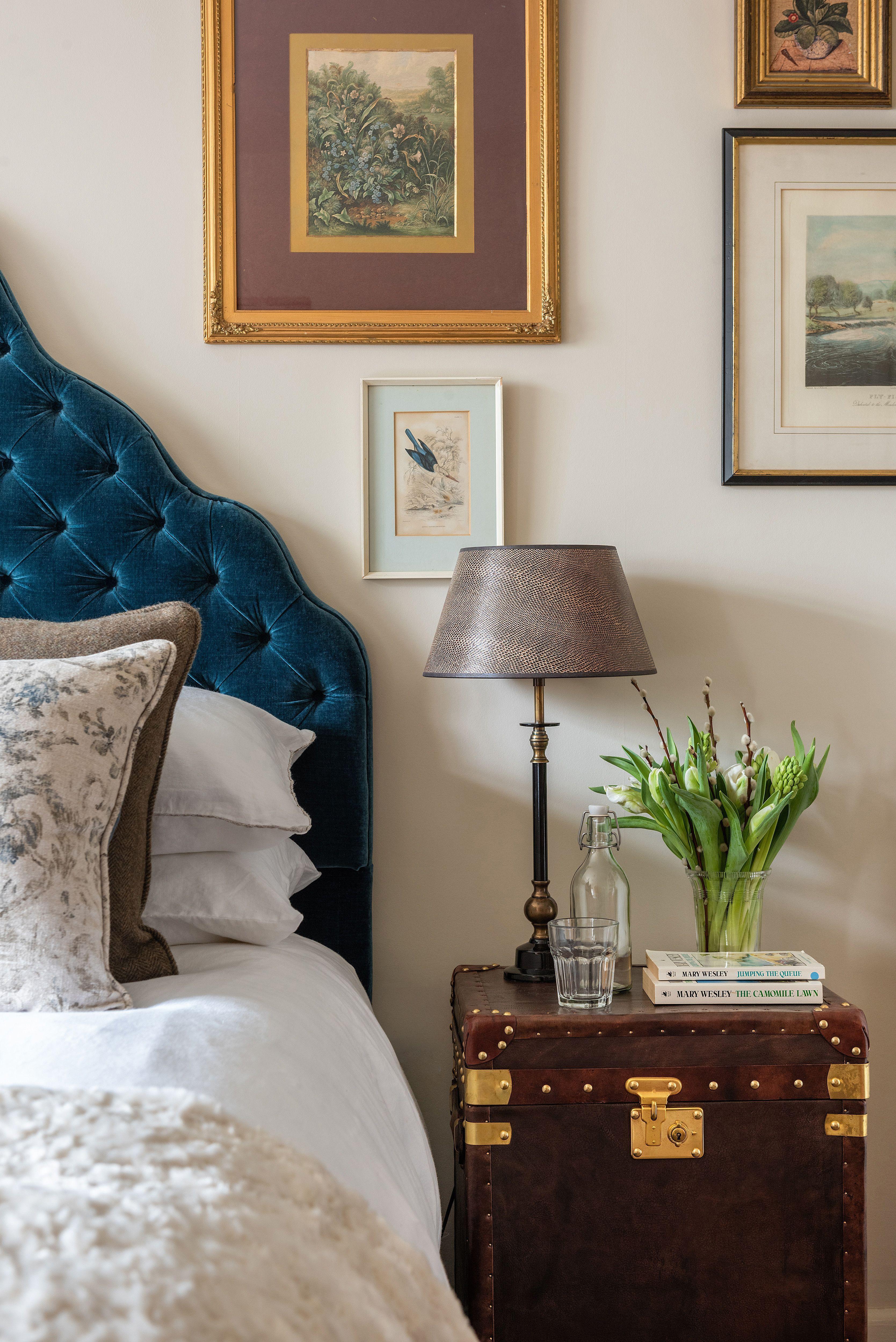 thornworthy barn s side table in the bedroom is utterly divine rh co pinterest com
