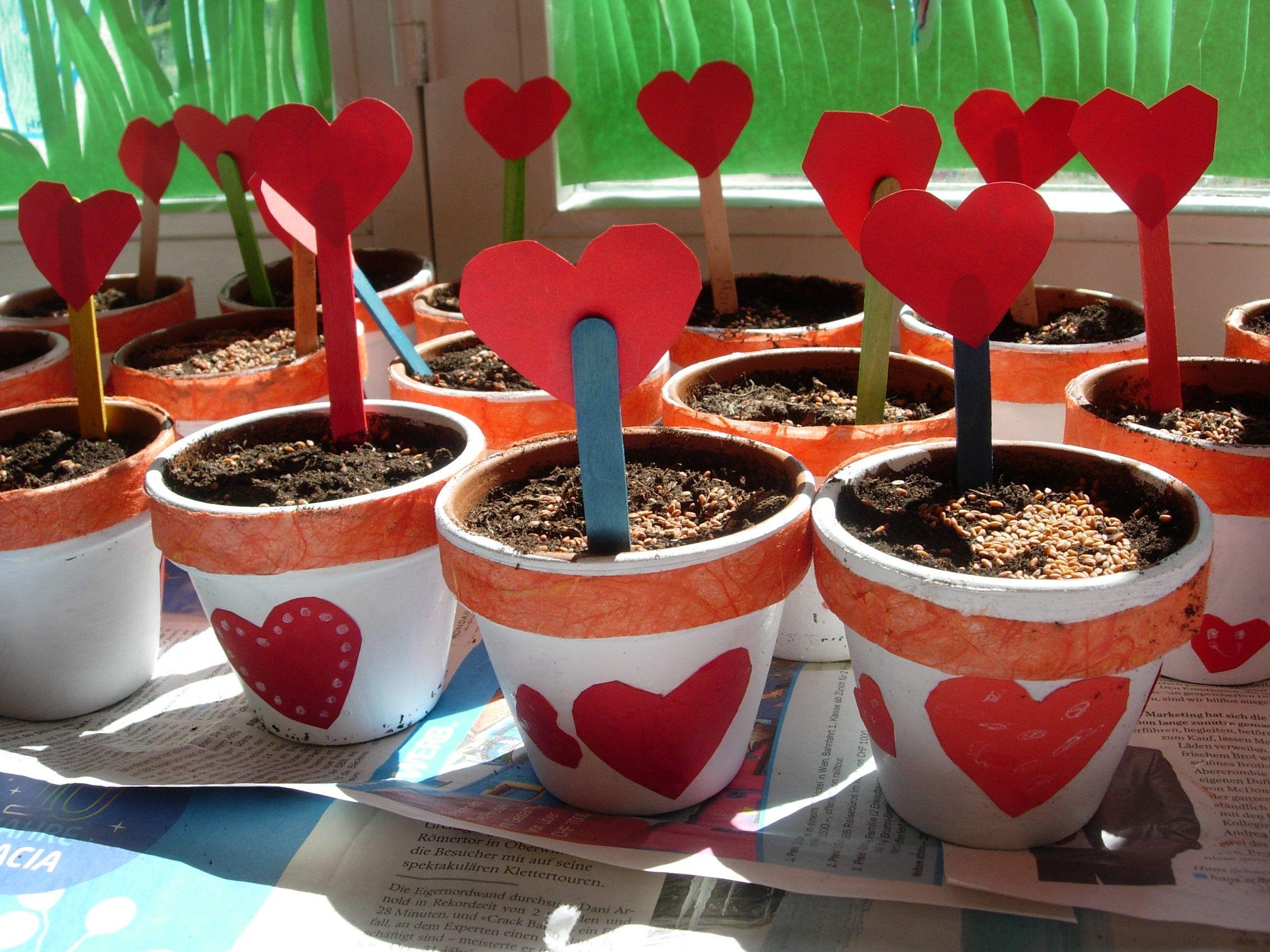 Blumentöpfe Mit Herzbesteck Für Den Muttertag Muttertag