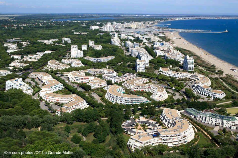 La Grand Motte Jean Balladur Architecture Architecture Design Futuristic Architecture