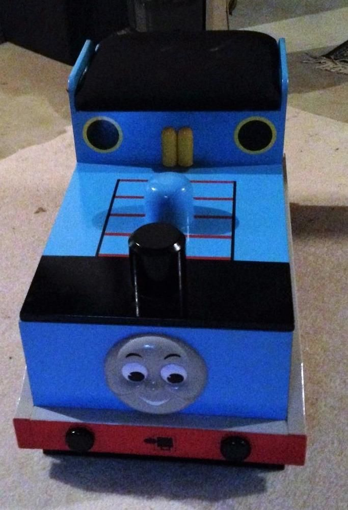 thomas the tank engine train toy box w padded seat crafts thomas rh pinterest com