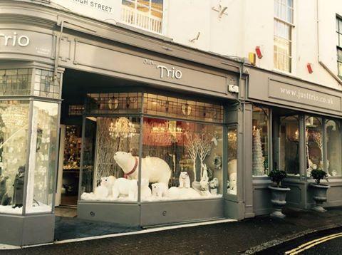 Just Trio Christmas Polar Bear window...