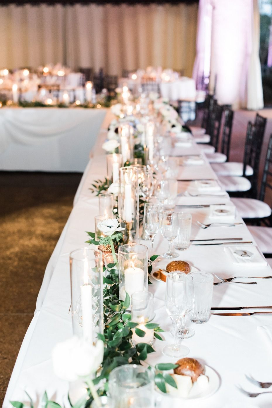 modern chic black and white wedding with a splash of color rh pinterest fr