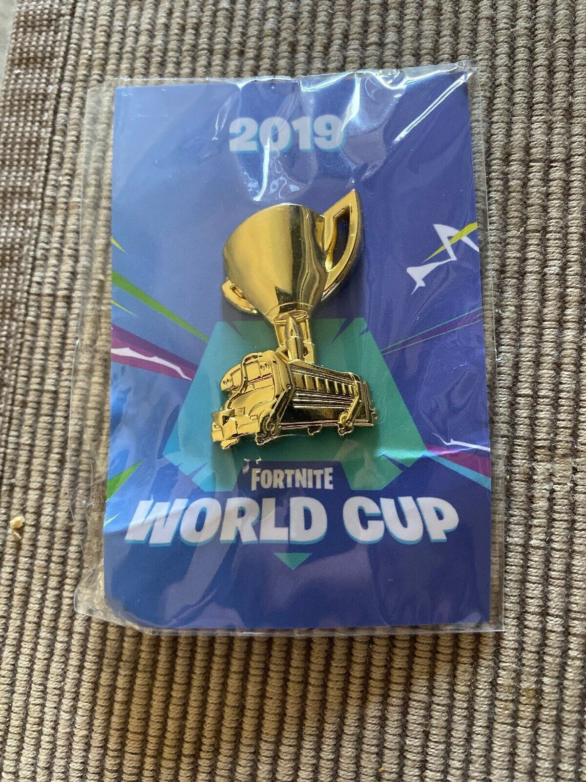 Extremely Uncommon Fortnite Gold Battle Bus Trophy Pin Fortnite World Cup Nyc 2019 World Cup Trophy Fortnite