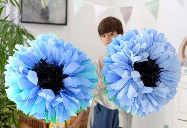 Duze Kwiaty Z Bibuly Na Patyku Www Arbuziaki Pl Hanukkah Wreath Hanukkah Wreaths