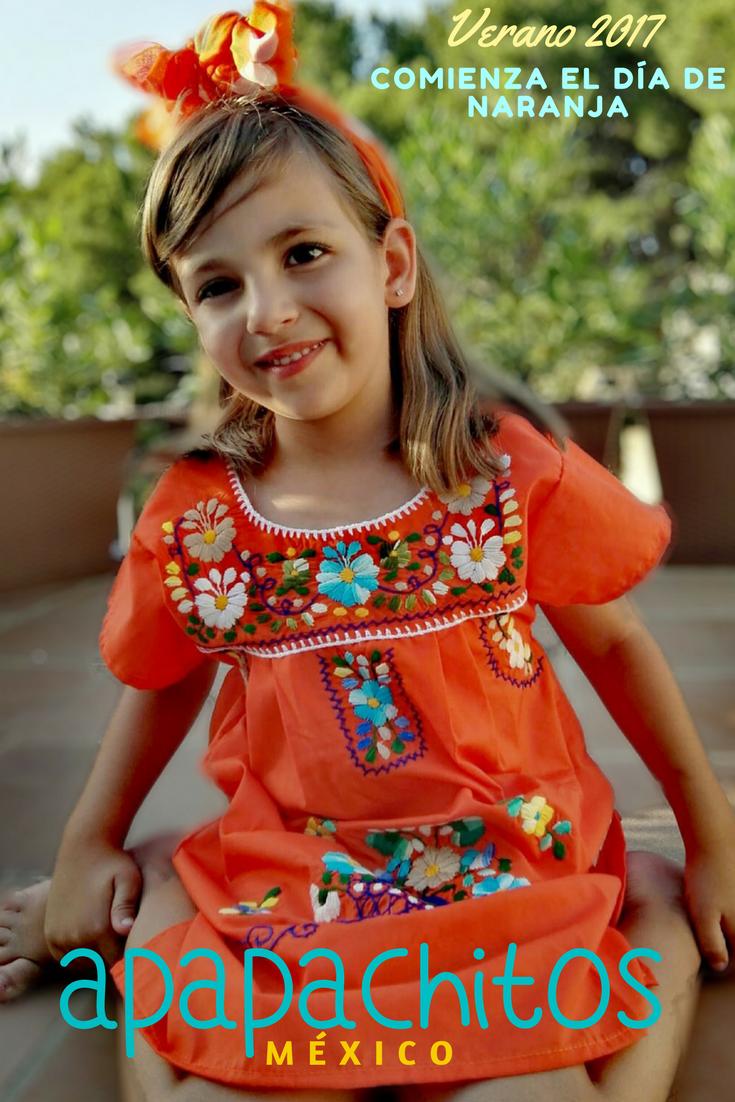 b9641259e4 Vestido para niña bordado mexicano.  Apapachos  Apapachitos