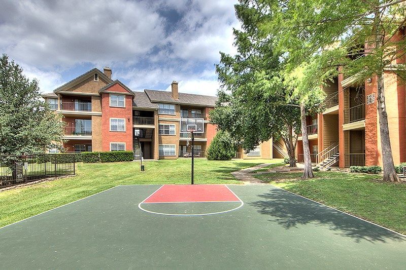 Photos And Video Of Jefferson Place In Irving Tx Places House Styles Summer Fun