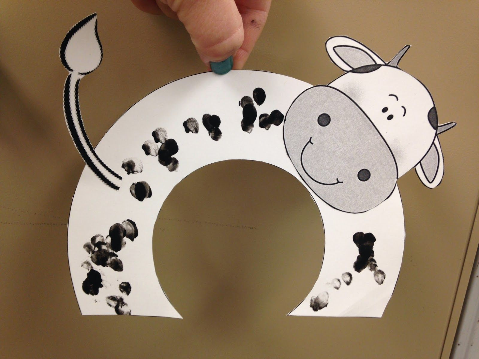 Speech Therapy with Miss Nicole: Cow Crafts; copy & paste cow ...