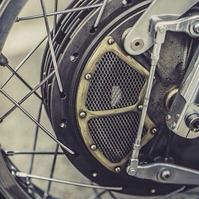Details! Vintage racing drum brake setup  Photo by @Laurent