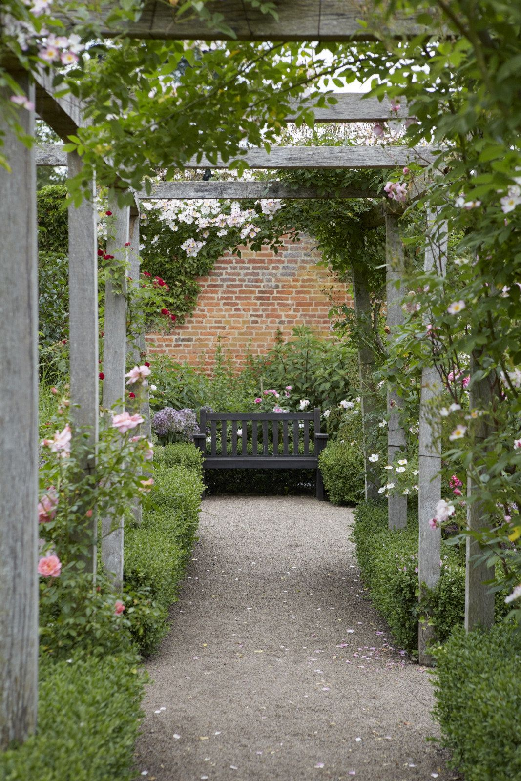 Photo of Ideas to Steal: 10 Ways English Gardens Borrow from France – Gardenista