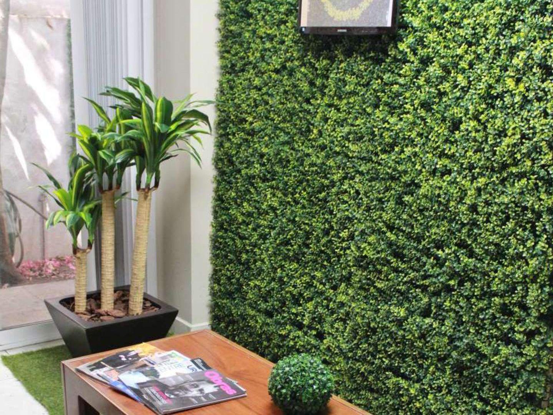 Proyectos de follaje artificial muro verde pinterest for Proyecto jardines verticales
