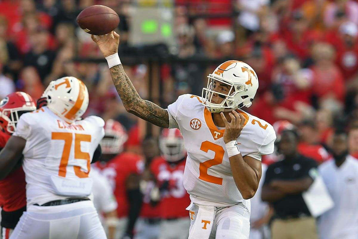Tennessee Vols Football travels to 21/21 Auburn Tigers