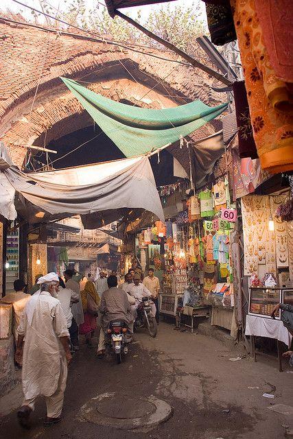 Lahore streets in 2019 | Bucket list | Lahore pakistan, Pakistani