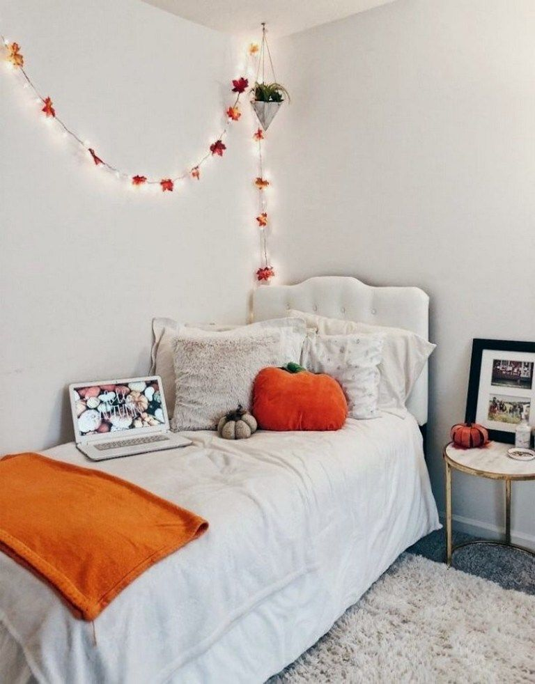 20 Charming Diy Dorm Room Decorating Ideas On A Budget 38 Fall Room Decor Fall Bedroom Fall Bedroom Decor