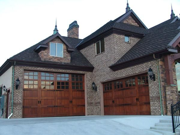 Pin By Kathleen Steinlicht On Barns Garage Doors Residential Garage Doors Carriage House Garage Doors