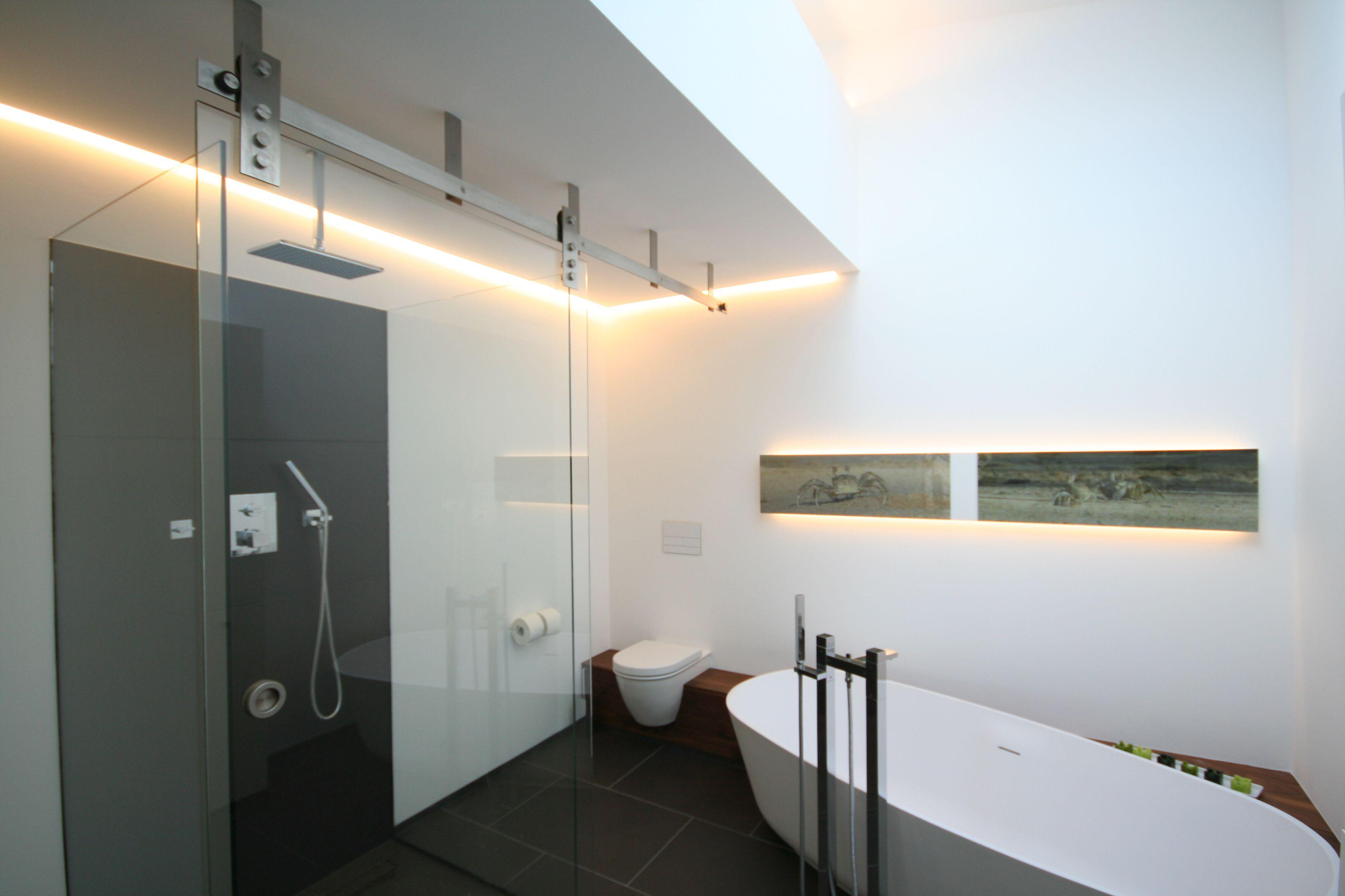 eine wellnessoase im modernen design besonders die dusche mit glasschiebetre und natursteinen bietet einen besonderen - Dusche Indirekte Beleuchtung