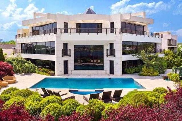 بالصور جولة داخل أحد أغلى قصور نيويورك هذا ثمنه إذا كنت تحلم بالعيش داخل قصر غاية في الفخامة Mansions Luxury Real Estate Waterfront Property