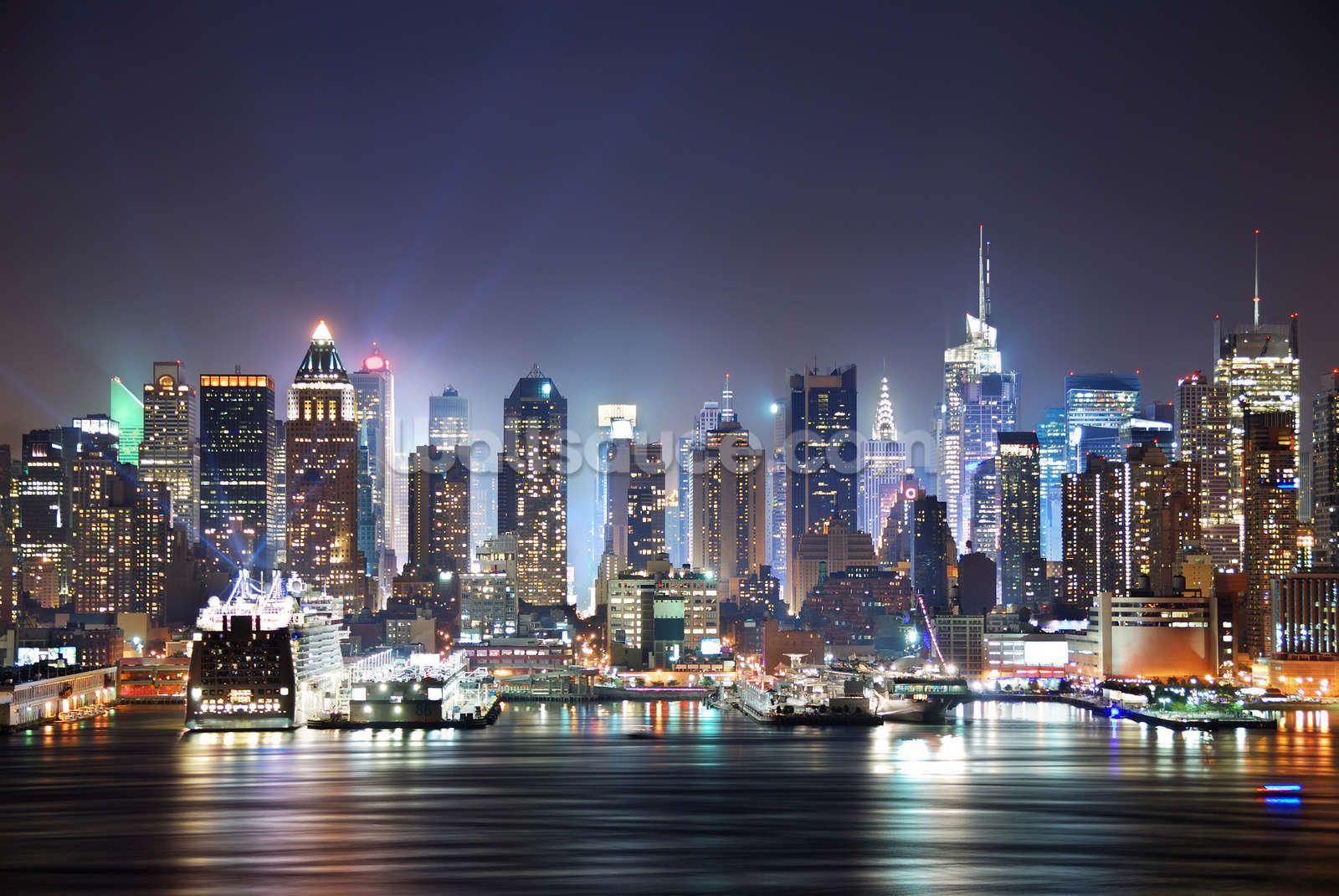 New York Manhattan Skyline Night Wallpaper Mural Wallsauce Eu In 2021 New York Wallpaper York Wallpaper New York Bedroom
