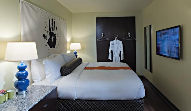 acme hotel company chicago staycations cool hotels chicago rh pinterest com