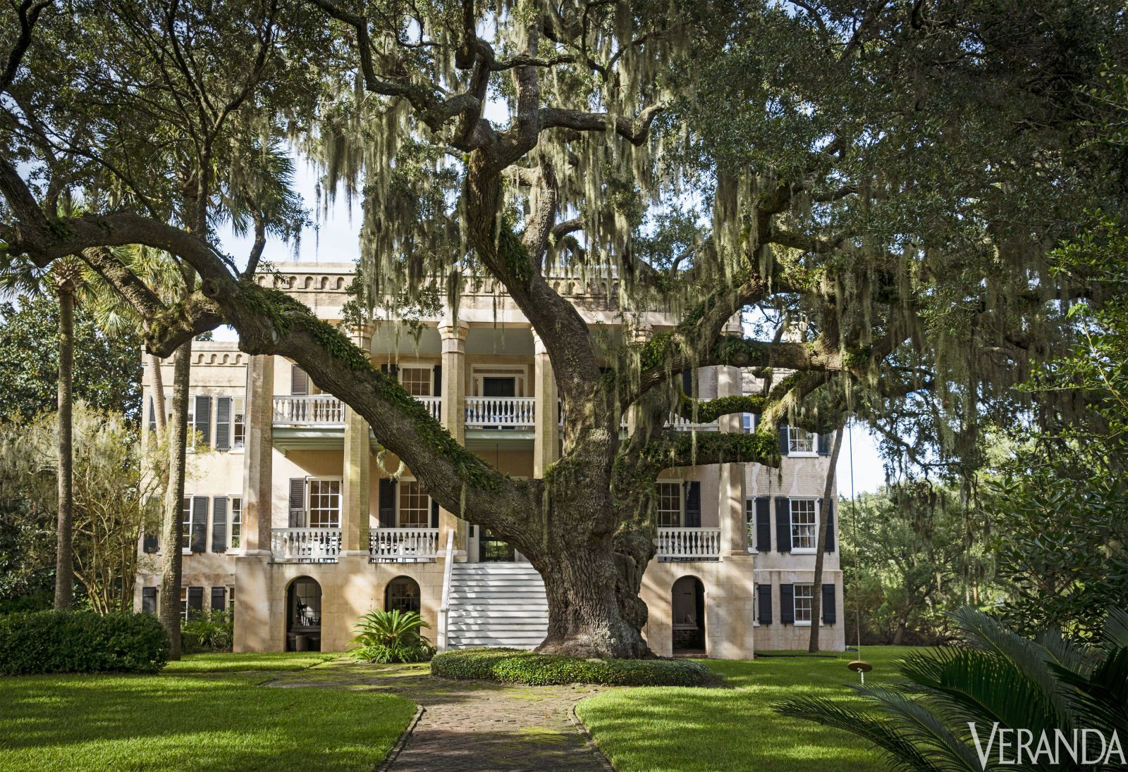 """HOUSE TOUR A Storied Carolina """"Castle"""" Full Of Low"""