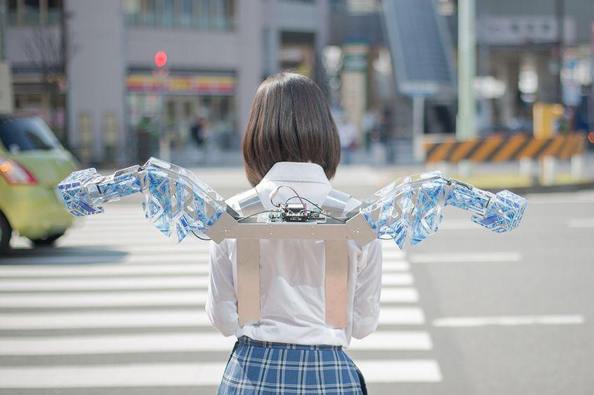 """wearing mecha"" and ""robotics fashion"" from KYUN_KUN WEB /home > http://kyunkun.com/"
