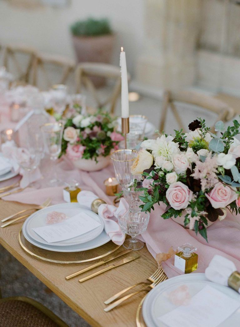 la tavola fine linen rental aurora blush table runner photography rh pinterest com