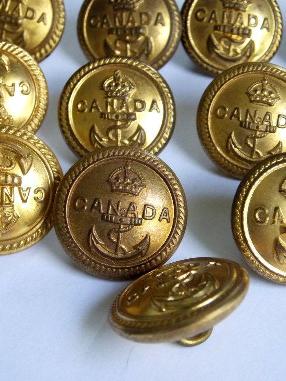 Military Brass Buttons Royal Canadian Navy WW2 Uniform Wm