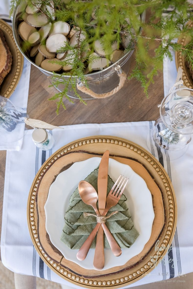simple farmhouse christmas table tips on creating an adorable and rh pinterest com
