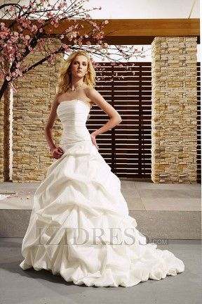 Izi Wedding Dresses #7580