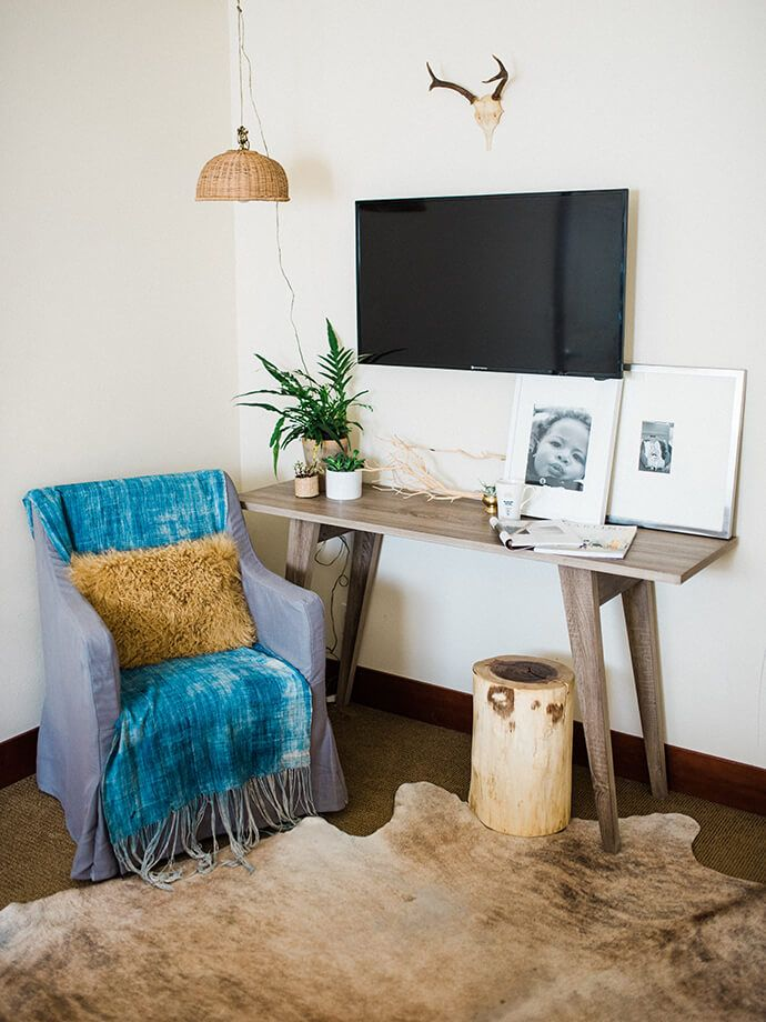 Living room corner with rustic touches Step
