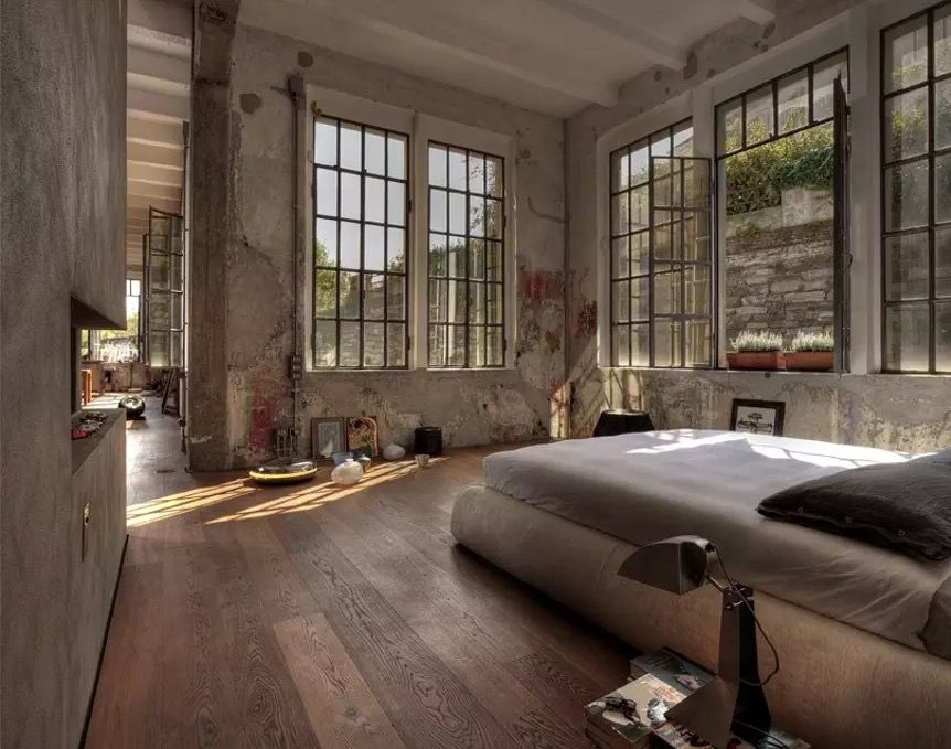 This gorgeous 270 square meters loft was