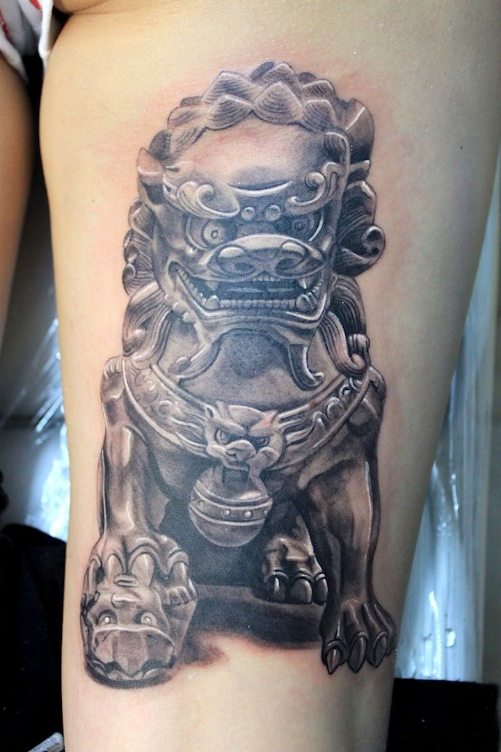 female foo dog tattoo by electrographic tattoo rosenheim tattoos. Black Bedroom Furniture Sets. Home Design Ideas