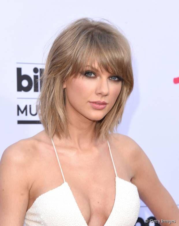 Taylor Swift faz sucesso com sua franja longa e seu long bob - duas tendências em cortes para 2015