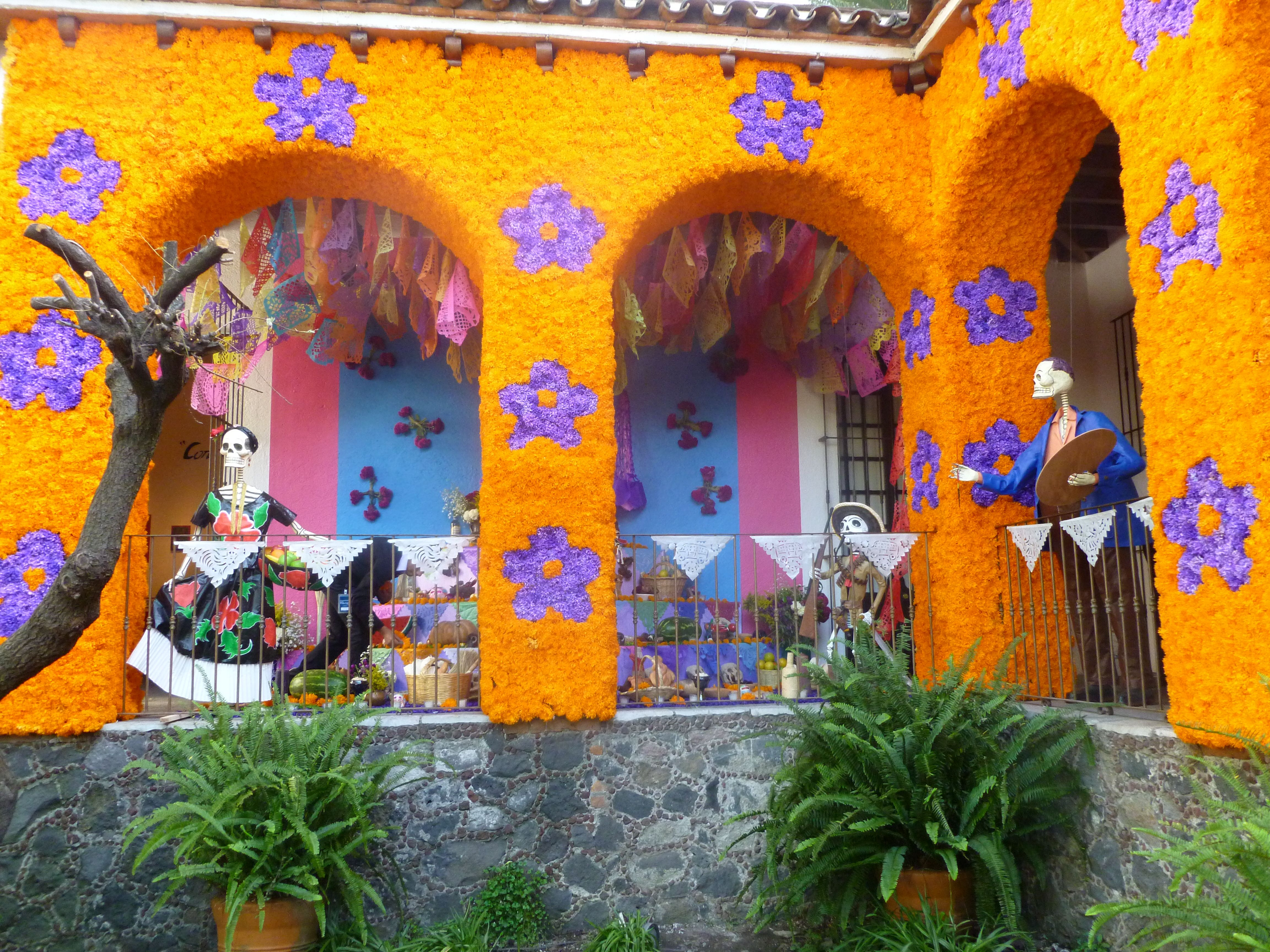 mexican garden design. Day of the Dead is for Living  Mexican PatioMexican GardenMexican patio garden