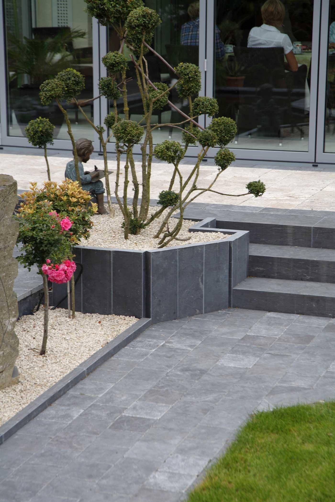 Amenager Ma Maison Votre Specialiste Terrasse Et Jardin Bordure De Jardin En Pierre Terrasse Jardin Terrasse Pierre Bleue