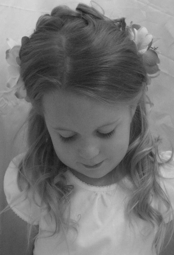 Adorable Hairstyles for Flower Girls | FlowerGirl For Wedding