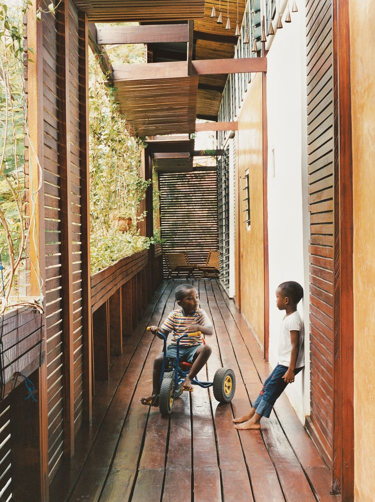 Joe Osae-Addo, a highly gregarious, Ghanaian-born architect, was living in Los Angeles, designing buildings and acting as the unofficial social coordinator of the local architecture scene. But on a visit to Ghana in 2000 he ran into, and subsequently fell in love with, Sara Asafu-Adjaye, an old high-school classmate who was living in London.