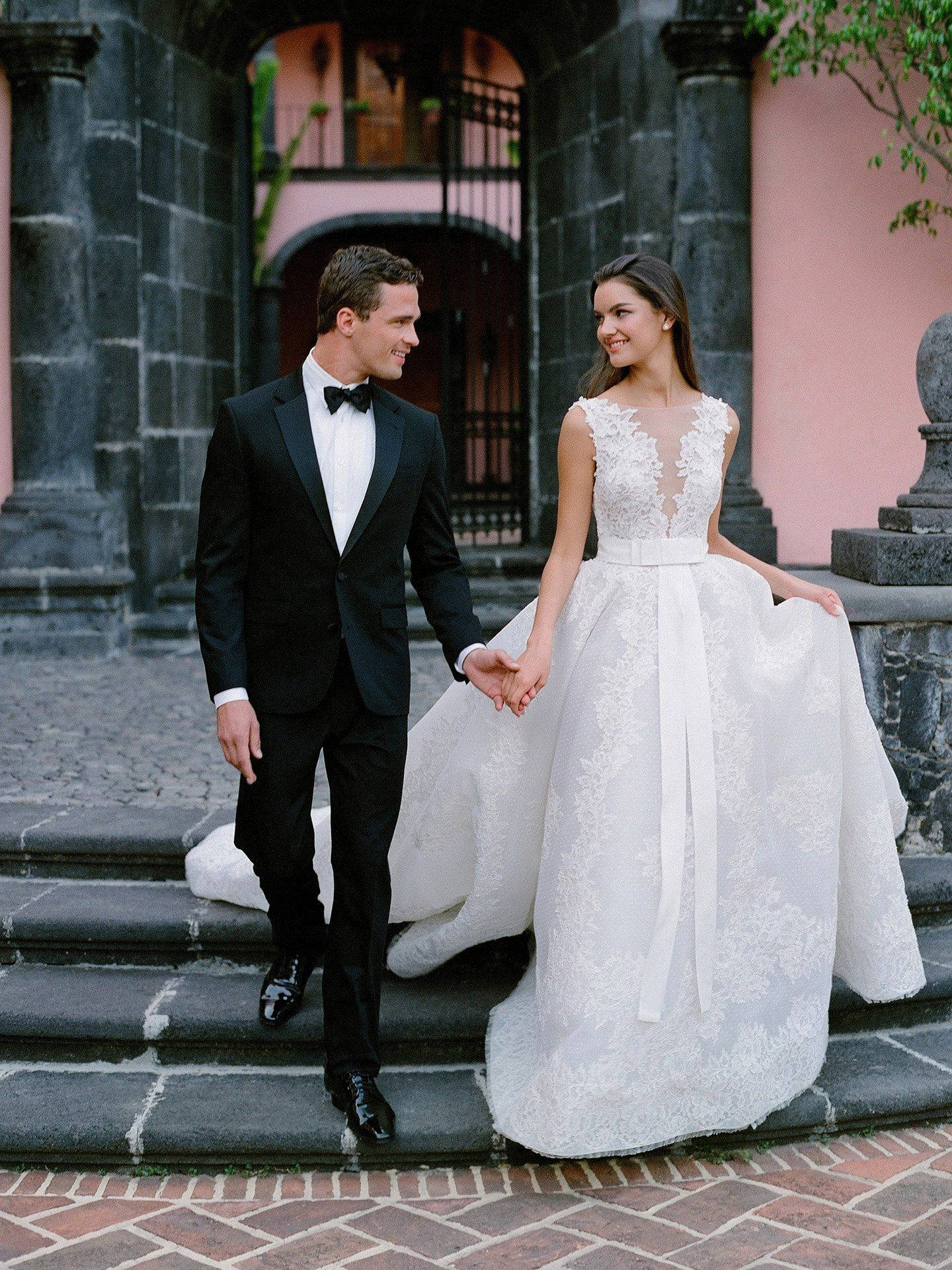 How Much Does Dry Cleaning A Wedding Dress Cost Fresh Kleinfeld Bridal In 2020 Wedding Dresses Lace Ball Gowns Wedding Wedding Dresses