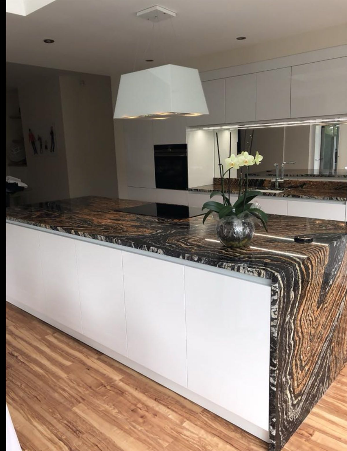 Contemporary NEXT125 German Kitchen designed and installed