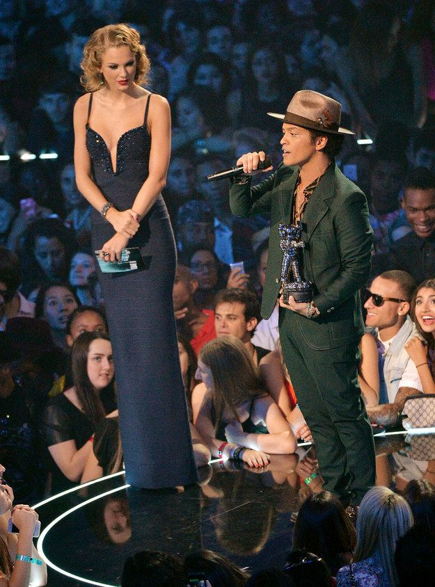 Here, for reference purposes, is a picture of Bruno Mars and Taylor Swift at