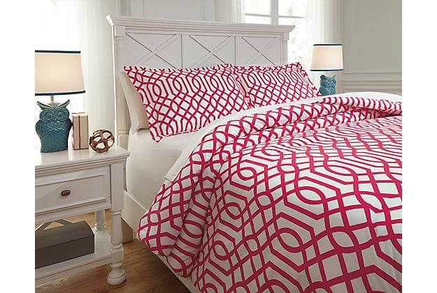 Kids Bedding Fushia Loomis 3-Piece Full Comforter Set (comes in