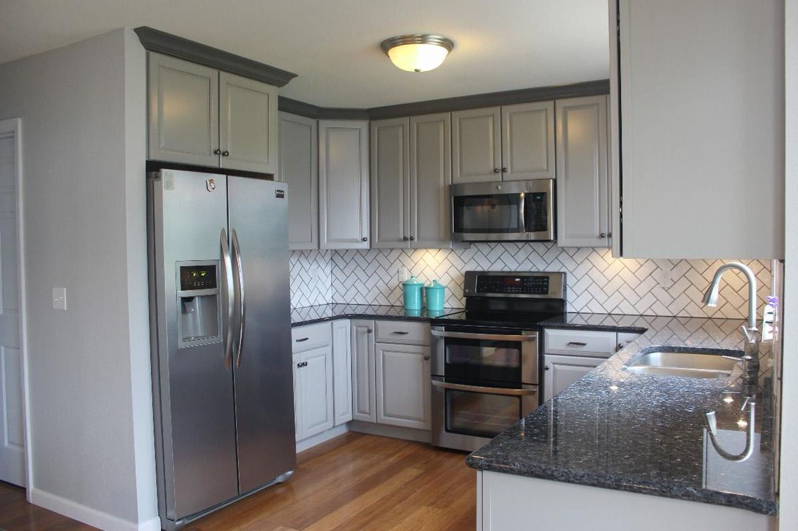 Gray Cabinet And Blue Pearl Granite Blue Countertops Grey Cabinets Grey Countertops