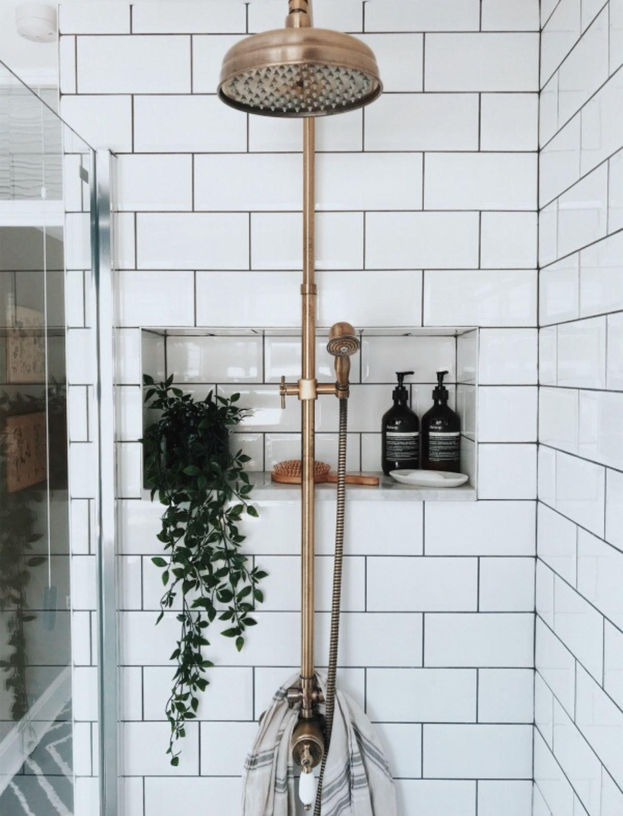 Pin Von Judit Plajer Auf To Live Kleines Bad Dekorieren Innenarchitektur Kleine Badezimmer