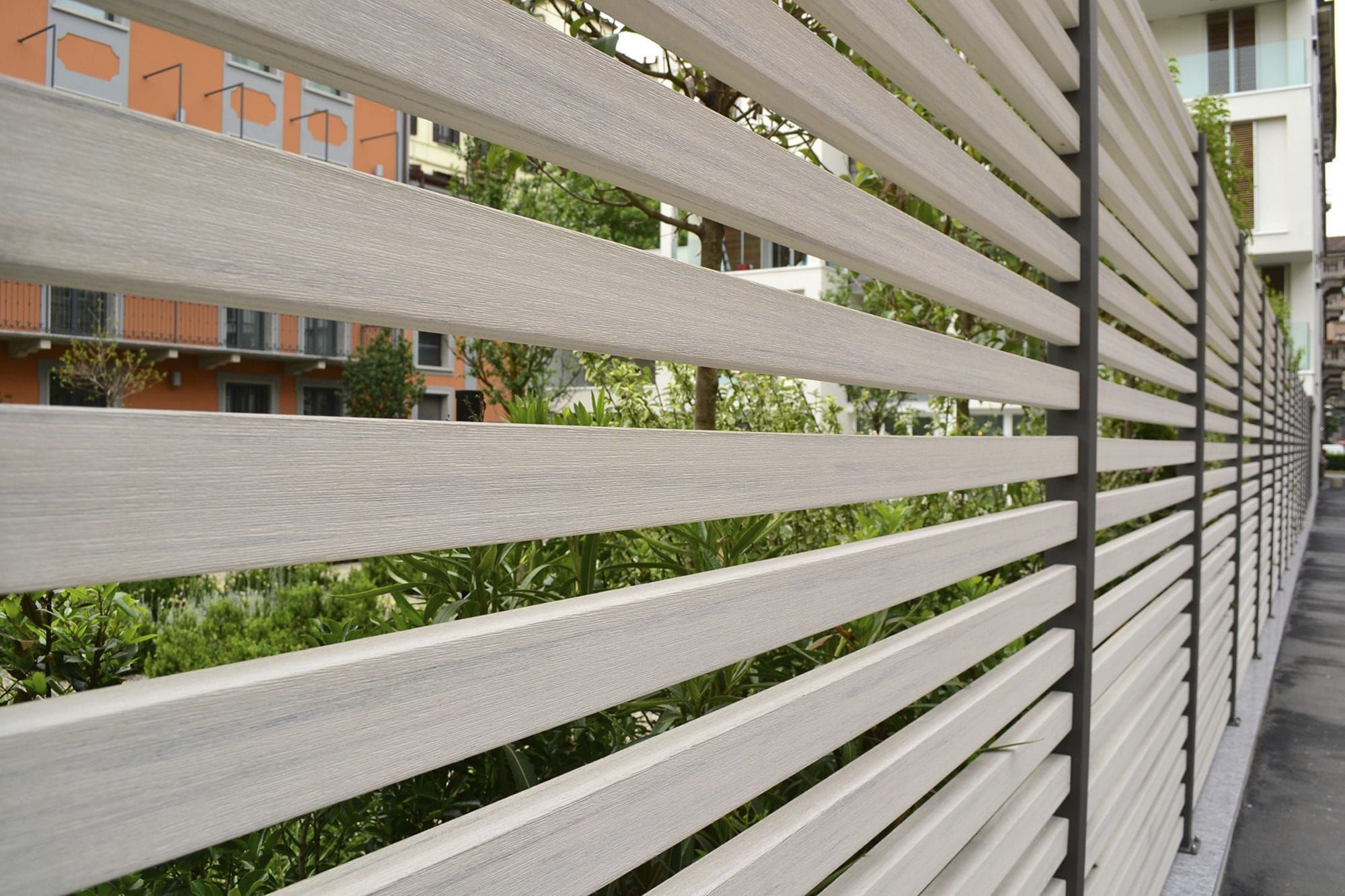 Garden fence / louvered / woodplastic composite / brushed